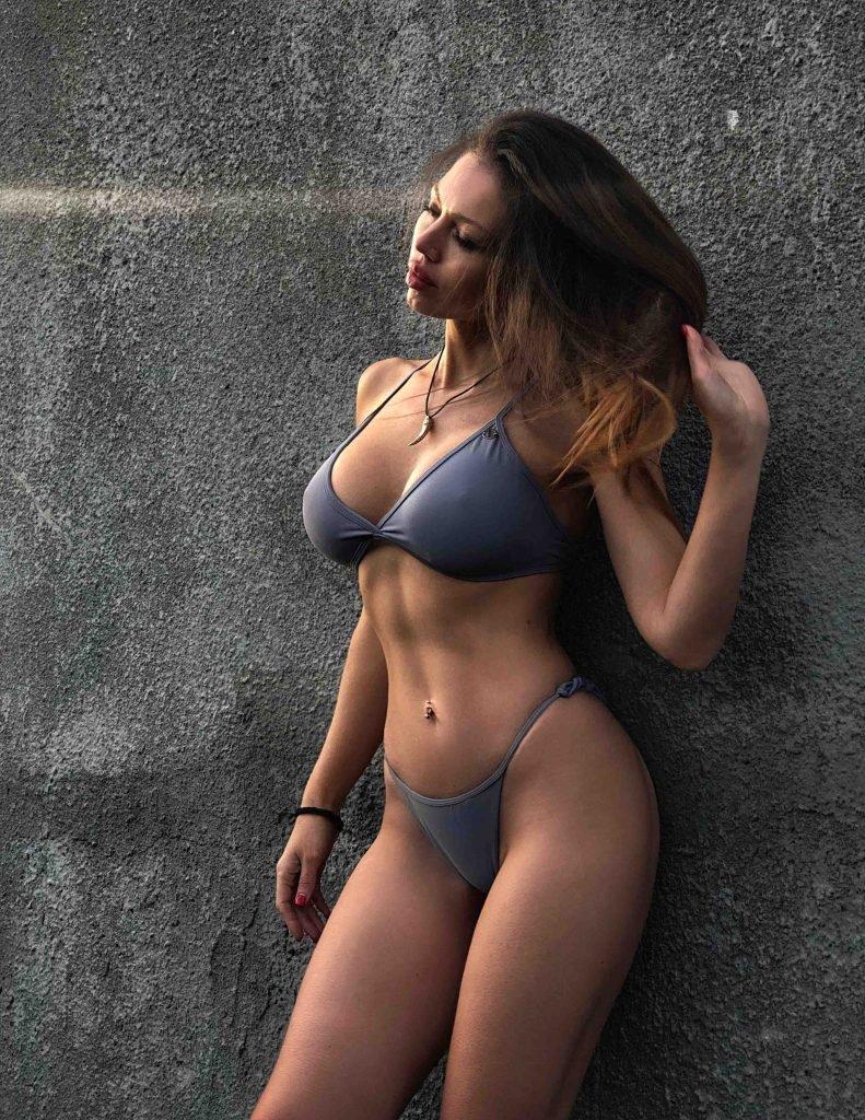 escorts in London - hot model